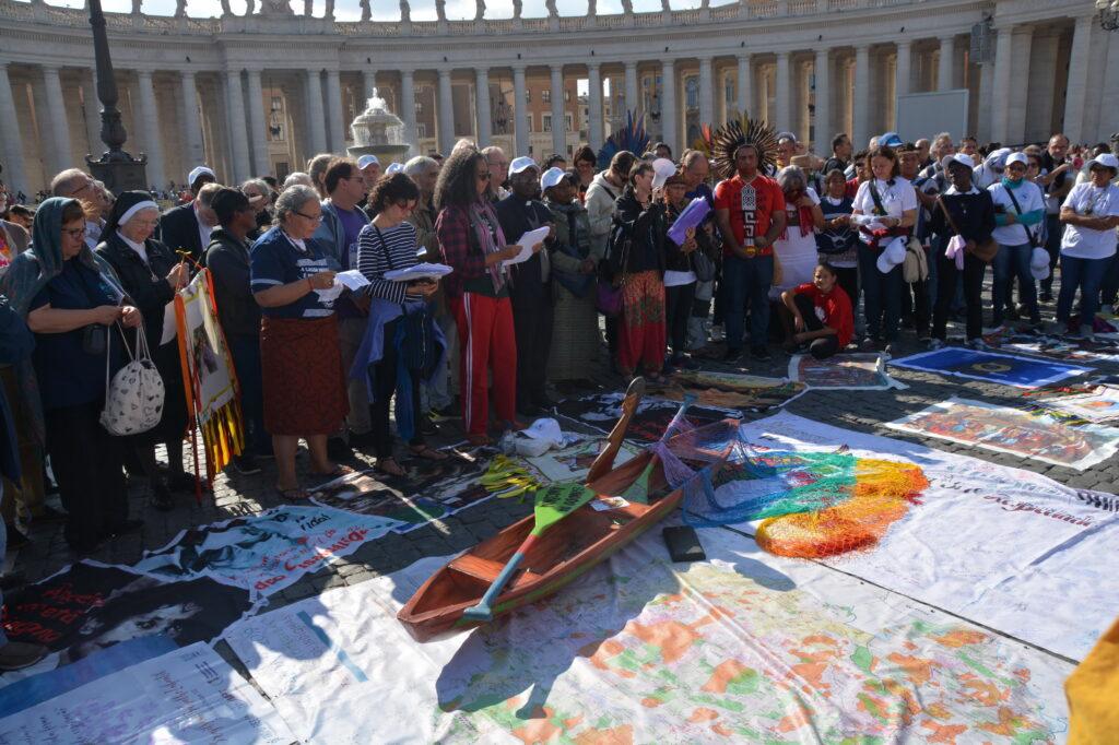 Las canoas en el Vaticano