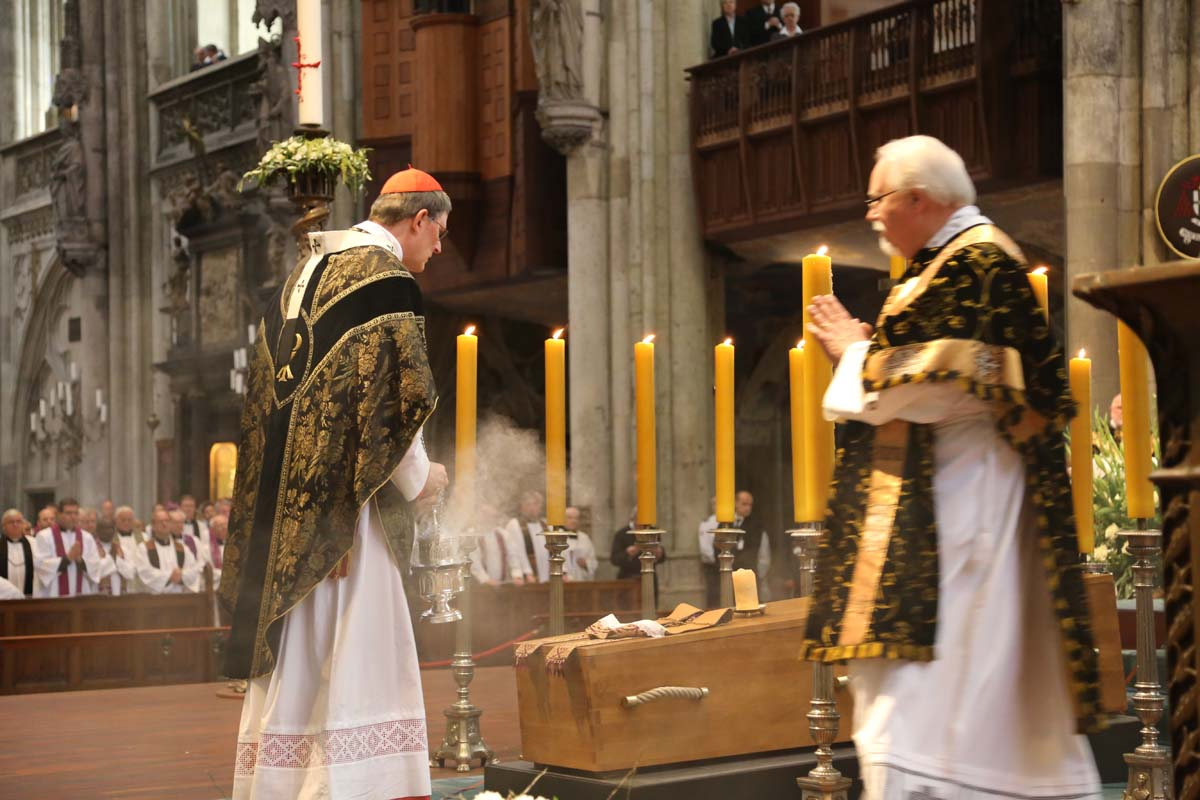 CATHOLICVS-Funeral-Card-Meisner-009