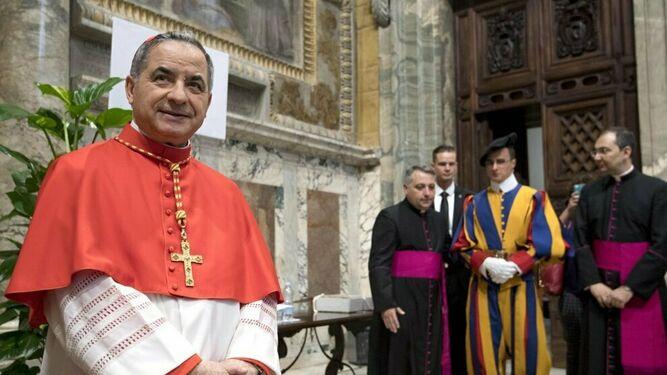 Perlasca, la 'mano derecha' de Becciu, 'garganta profunda' de la investigación vaticana