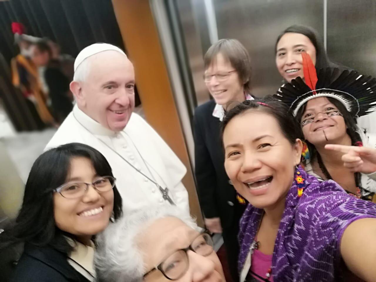 Mujeres con el Papa Francisco