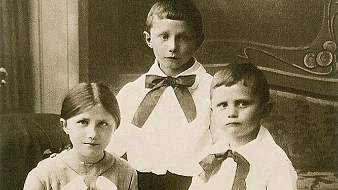 Benedicto con los hermanos