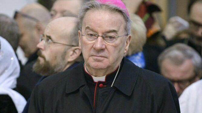Monseñor Luigi Ventura