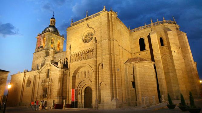 """Surgere, Civitas!"""", el clamor contra la desaparición de la diócesis de Ciudad  Rodrigo"""