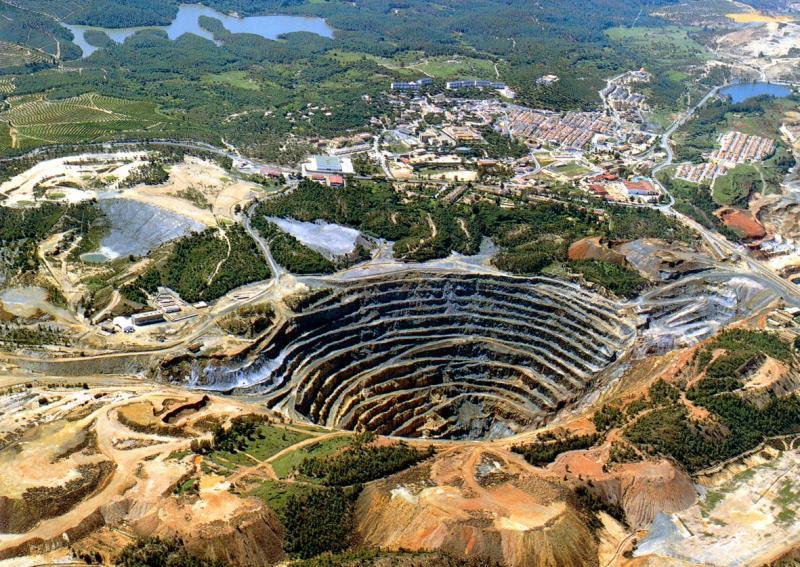 Mineria-a-cielo-abierto-e1281628746938