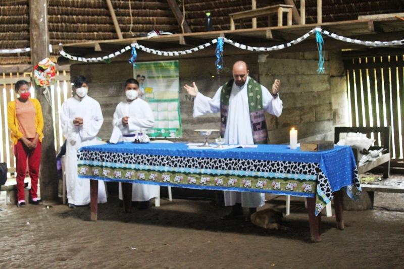 Eucaristía en Sabaloyacu