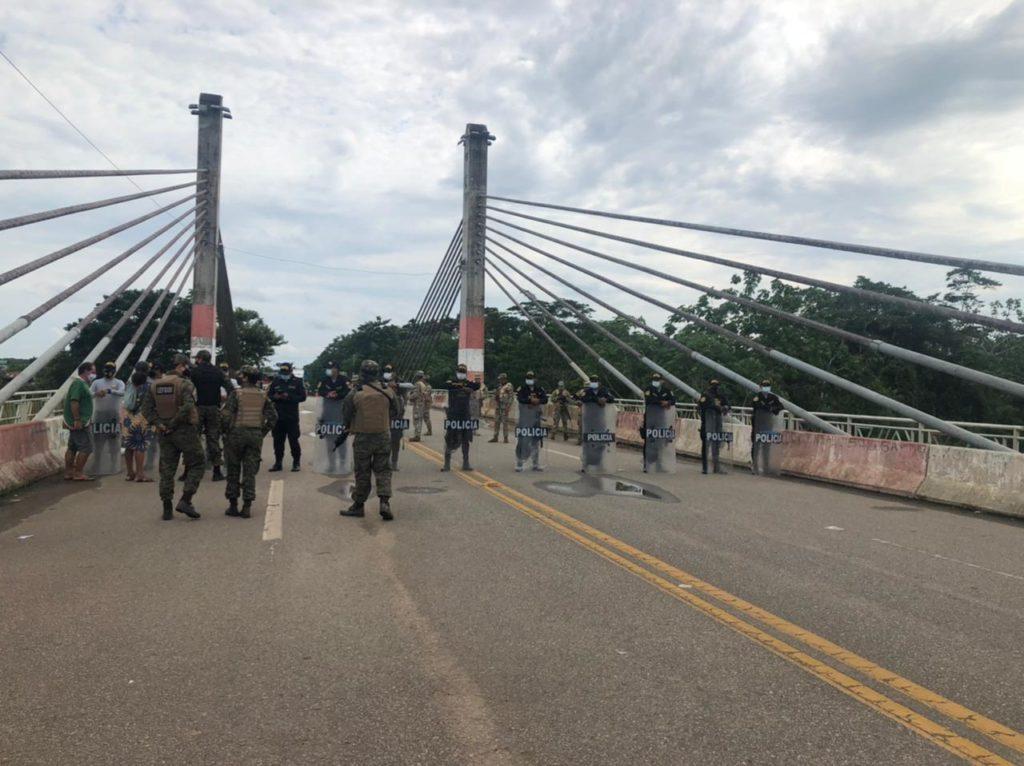 Puente fronterizo Brasil-Perú
