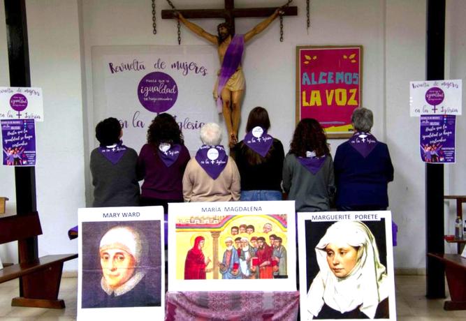 Revuelta de mujeres en la Iglesia