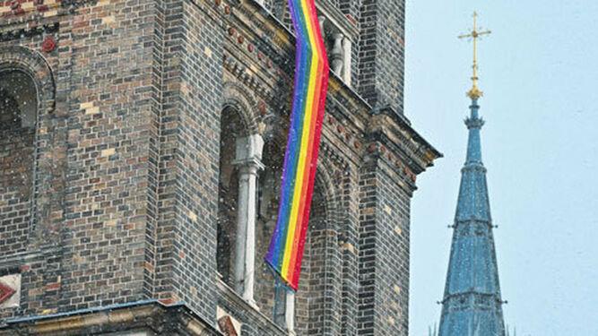 Curas alemanes 'responden' a Doctrina de la Fe y bendecirán simultáneamente a parejas gay el próximo 10 de mayo