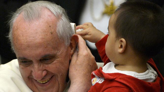 El Papa y el bebé