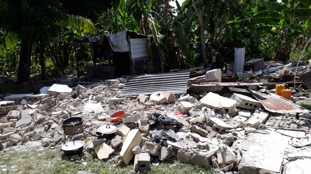Casa destruída por el terremoto en Haití