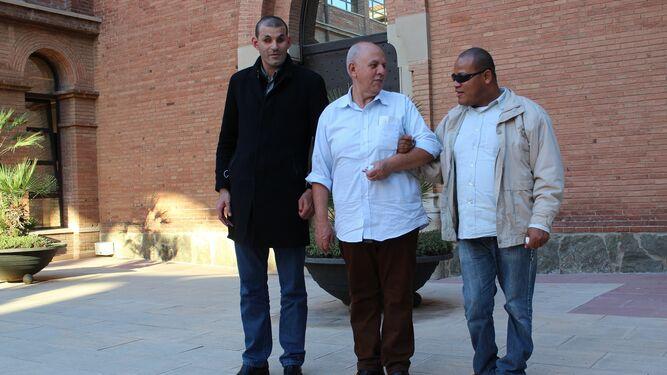 Tavares en Barcelona, junto a dos de sus hijos,  Alexander y Filipe.